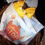 Onde Comer Pastel em Salvador? Beach Stop
