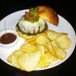 Cozinha dos Fundos é a mais nova hamburgueria de Salvador