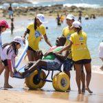 Projeto que leva deficientes físicos ao mar retoma em São Tomé de Paripe