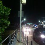 Pensar Salvador… Postes e pardais no meio das calçadas