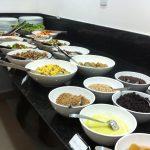 10 restaurantes a quilo no Comércio