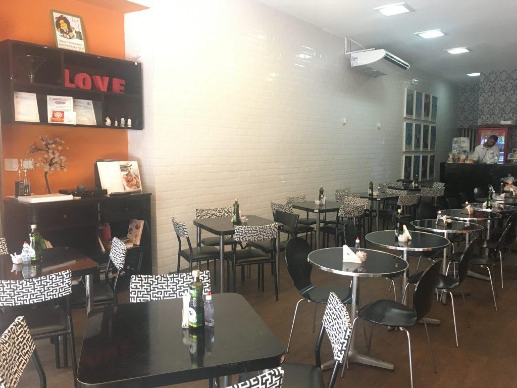 Café Preto e Branco - Comércio