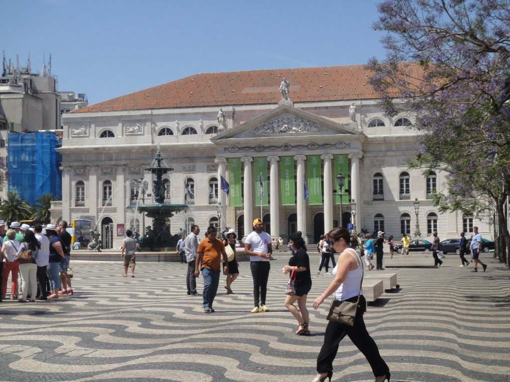 Centro antigo de Lisboa - Praça D. Pedro IV, O que fazer em Lisboa