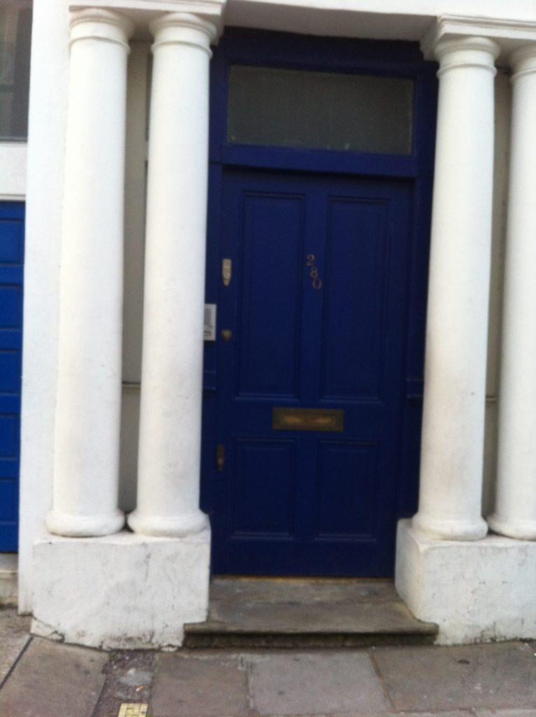 The Blue door. Um lugar chamado Notting Hill
