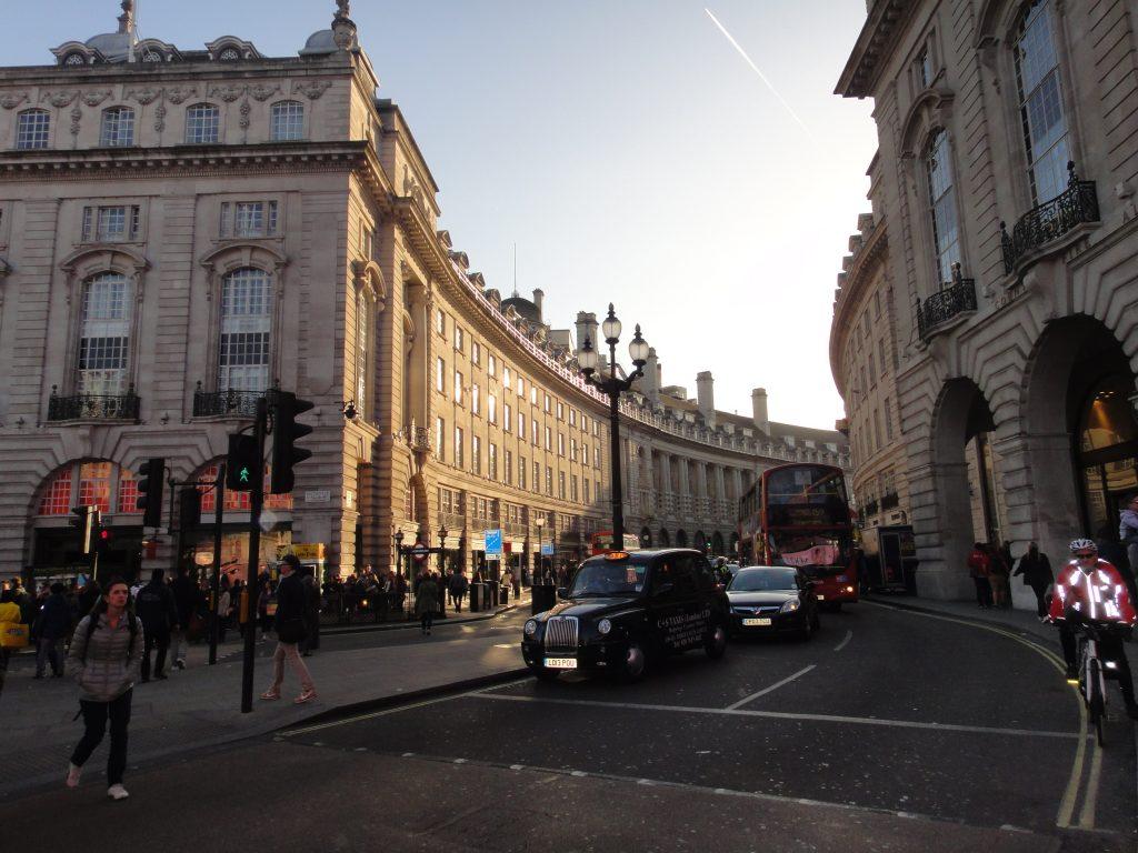 Ruas de Londres - Piccadilly Circus
