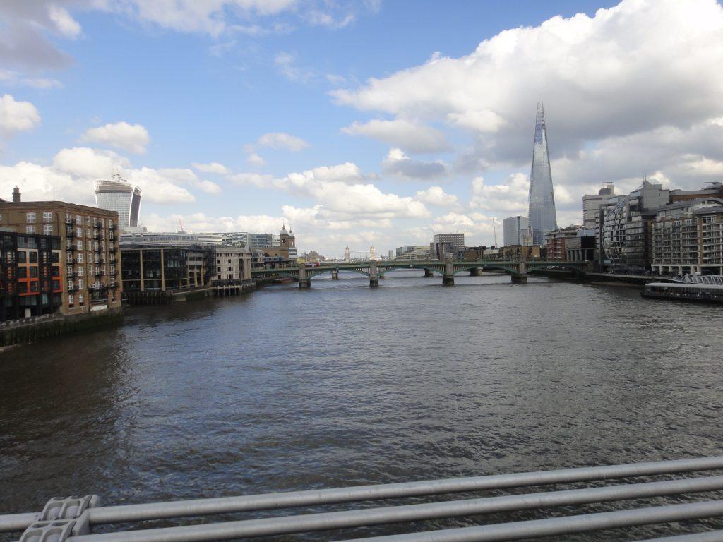 Millenium Bridge. Pontes de Londres
