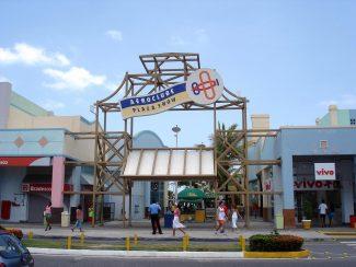Aeroclube Plaza Show - Salvador Retrô.jpg