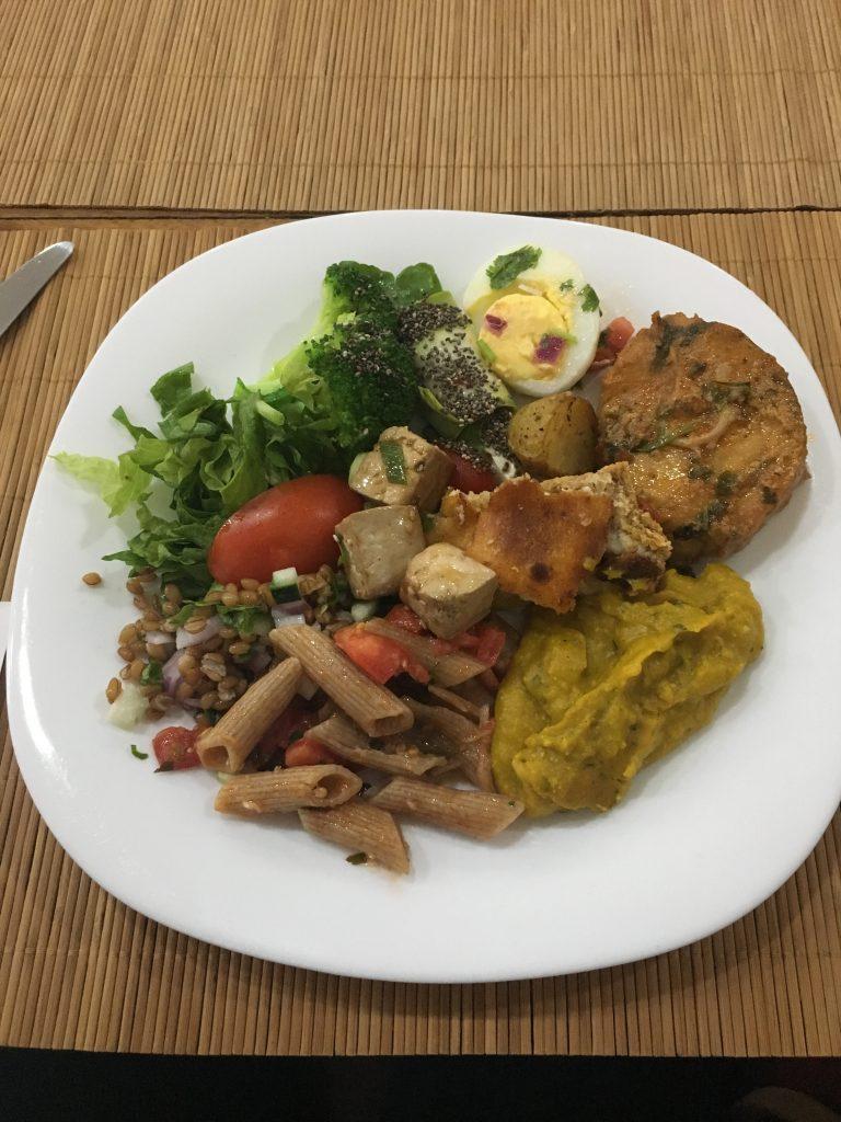 Romã: Alecrim: Comida Natural a quilo em Salvador