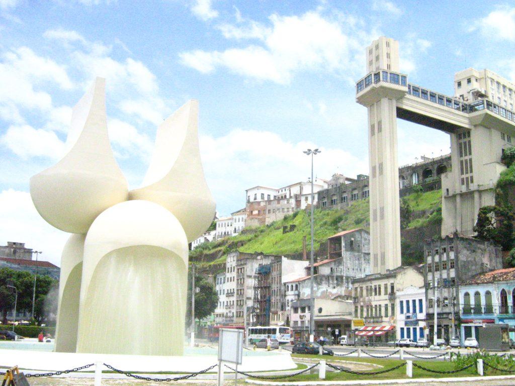 Monumento às quatro raças - Mario Cravo Junior