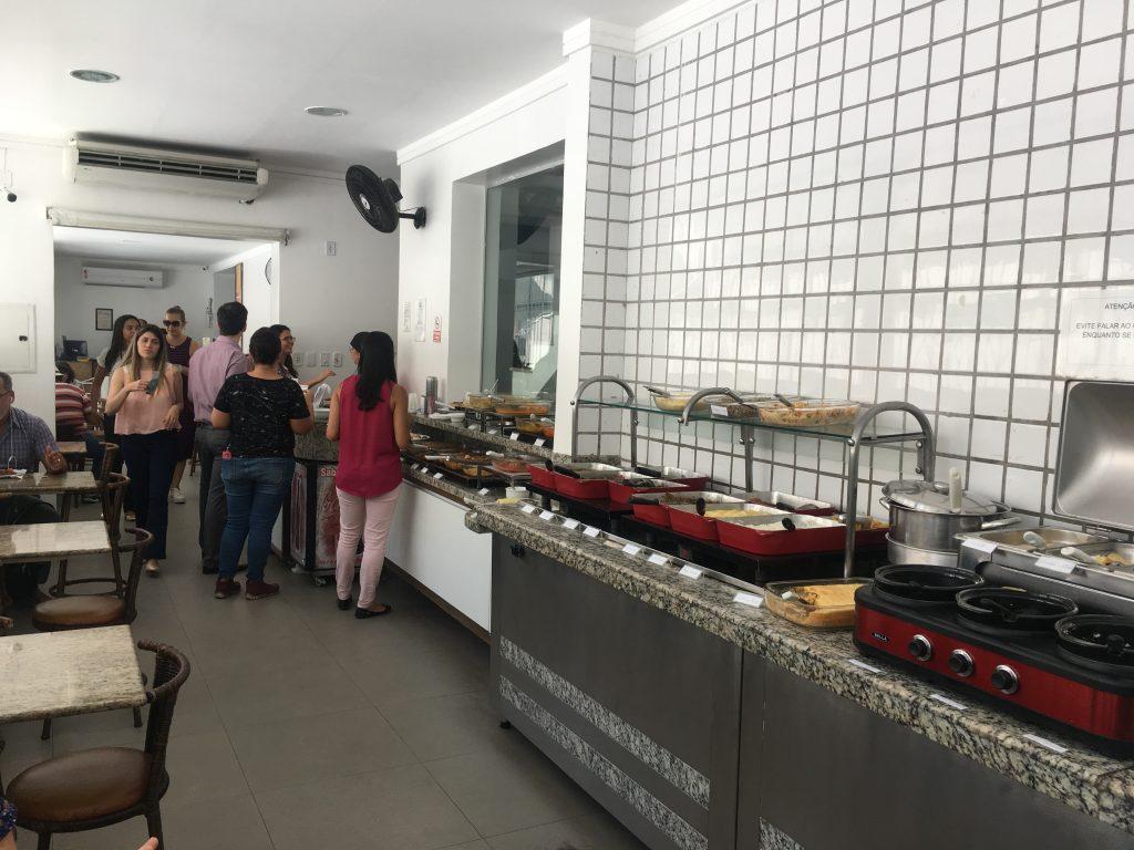 Restaurante a quilo no Canela