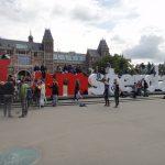 """Letreiro """"I Amsterdam"""" é retirado da frente do maior museu da Holanda"""