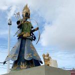 Escultura em homenagem à Mãe Stella de Oxóssi é uma das mais bonitas de Salvador