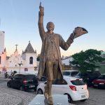 Gregório de Matos e a declamação de sua poesia pelo ator Jackson Costa na Praça Castro Alves