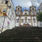 """Escadaria do Passo: sua triste pichação e a esperança de painéis da Paixão de Cristo e do """"O Pagador de Promessas"""" em seus muros"""