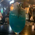 Preto Bar, drinks irresistíveis, ótimos petiscos, chopp gelado e ambiente jovial